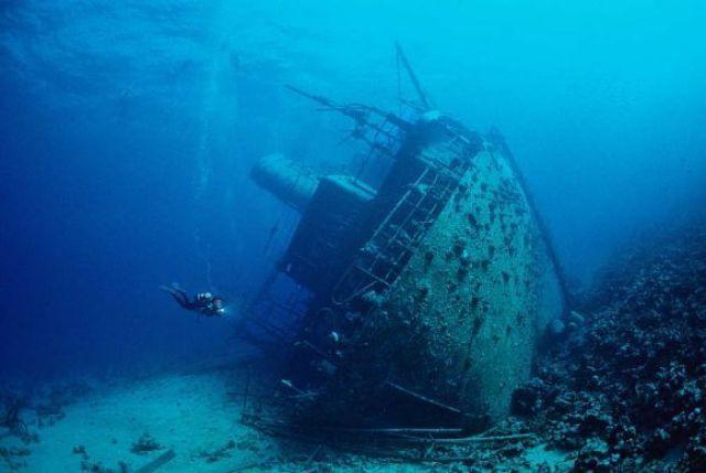 Лагуна затонувших кораблей.